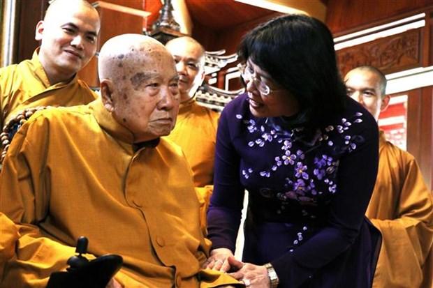Vicepresidenta de Vietnam felicita a dignatario budista por el Dia de Vesak hinh anh 1