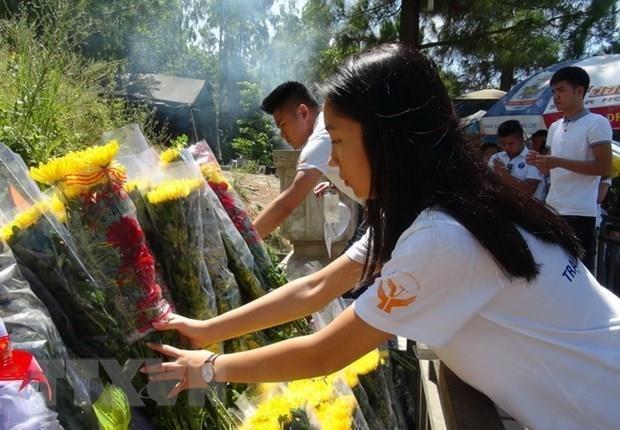 Recuerdan a general Vo Nguyen Giap en ocasion del 65 aniversario de victoria de Dien Bien Phu hinh anh 1