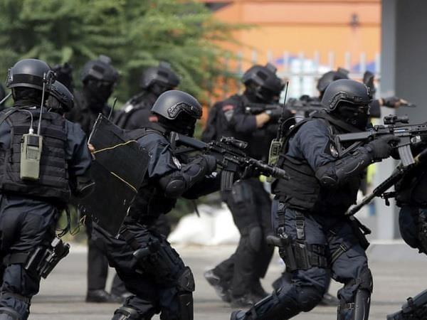 Frustran en Indonesia plan de atentado terrorista en visperas del anuncio de resultados electorales hinh anh 1