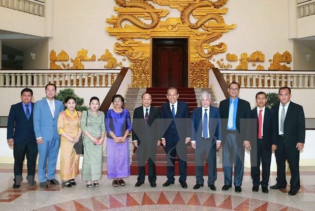 Destaca vicepremier vietnamita tradicion de solidaridad con Camboya hinh anh 1