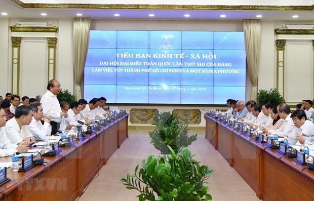 Premier de Vietnam insto a que localidades surenas que tracen orientaciones de desarrollo a largo plazo hinh anh 1