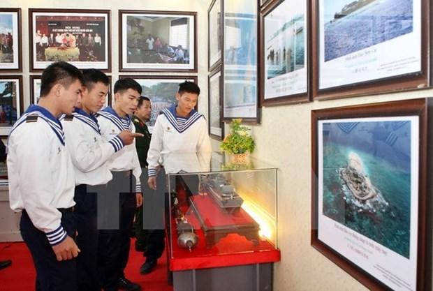 Exhiben documentos que reafirman soberania vietnamita sobre archipielagos Hoang Sa y Truong Sa hinh anh 1