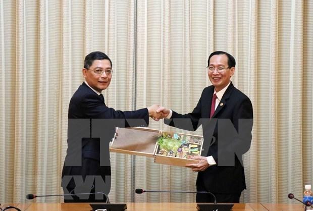 Fortalecen cooperacion entre ciudades vietnamita y china hinh anh 1