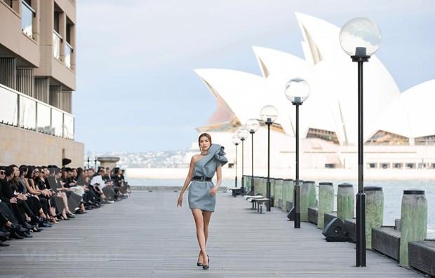 Performance de moda de disenador vietnamita atrae gran interes del publico en Australia hinh anh 1