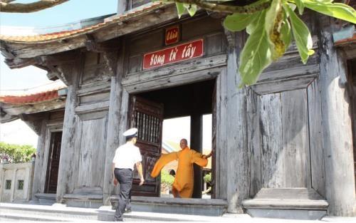 Celebran en Vietnam exposicion fotografica que resaltan belleza de pagodas hinh anh 2