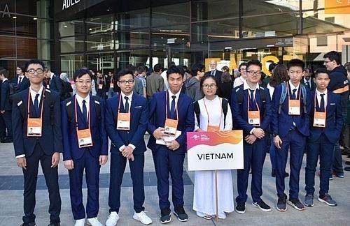 Destacada actuacion de delegacion vietnamita en la Olimpiada Asiatica de Fisica hinh anh 1