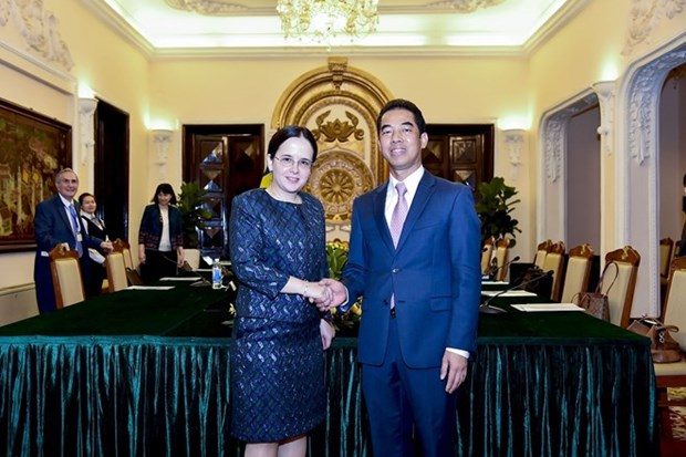 Vietnam y Rumania celebran consulta politica en Hanoi hinh anh 1
