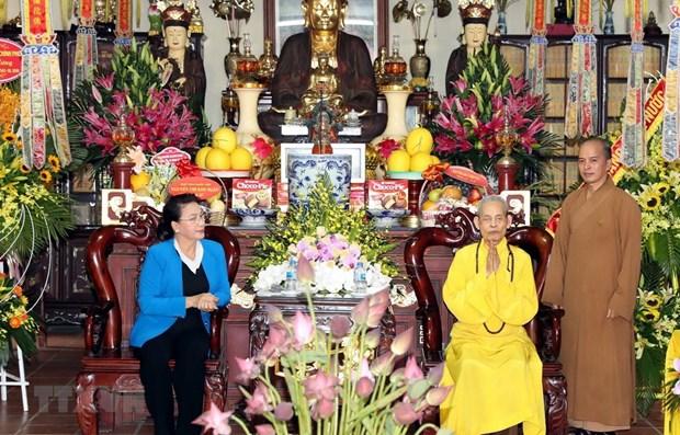 Presidenta del Parlamento visita a patriarca supremo de Sangha Budista de Vietnam hinh anh 1