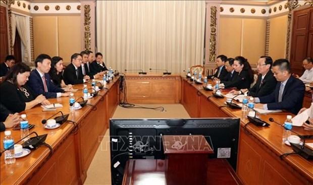 Impulsan cooperacion entre Ciudad Ho Chi Minh y Singapur hinh anh 1