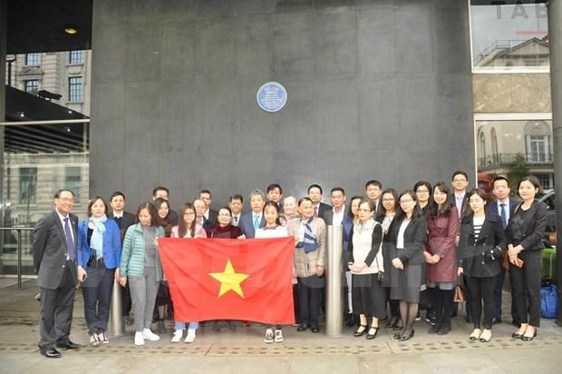 Conmemoran comunidades vietnamitas en el extranjero el 129 natalicio de Presidente Ho Chi Minh hinh anh 1