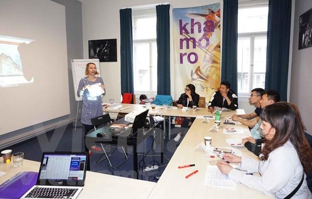 Realizan en la Republica Checa cursos de integracion para los extranjeros hinh anh 1
