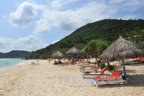 Aumentan las llegadas de turistas a la provincia vietnamita de Kien Giang hinh anh 1