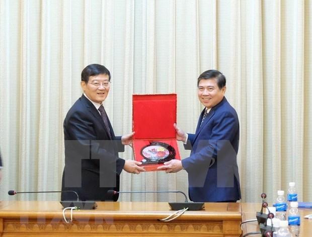 Promete Ciudad Ho Chi Minh mejores condiciones para inversores extranjeros hinh anh 1