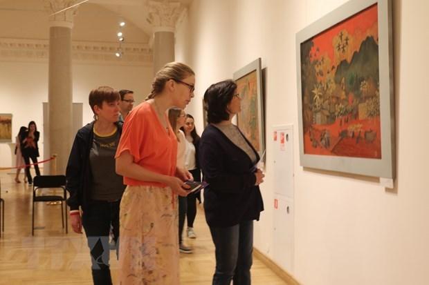 Presentan pinturas de laca de Vietnam en Rusia hinh anh 1