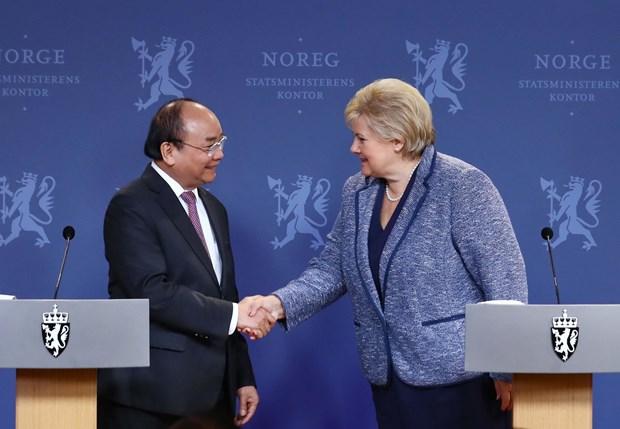Comprometidos Vietnam y Noruega a acelerar la firma del tratado de libre comercio bilateral hinh anh 1