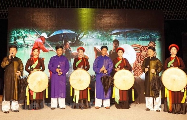 Destacan cantos populares de Vietnam en festival de minorias en Republica Checa hinh anh 1