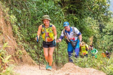 Mil atletas compiten en maraton de bosque en Vietnam hinh anh 1