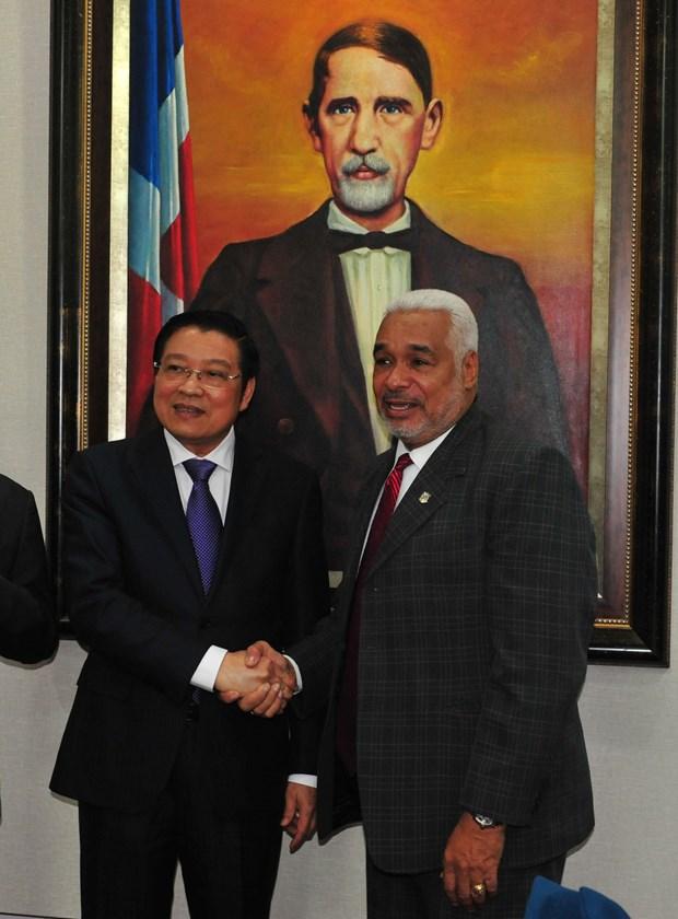 Fortalecen nexos entre Vietnam y la Republica Dominicana hinh anh 2
