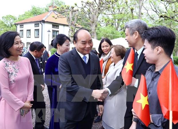 Se reunio primer ministro de Vietnam con coterraneos residentes en Suecia hinh anh 1