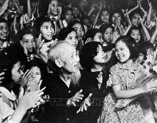 Efectuan en Paises Bajos concurso de cuenteros sobre el presidente Ho Chi Minh hinh anh 1