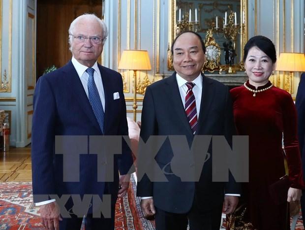 Se reune premier de Vietnam con el Rey de Suecia hinh anh 1