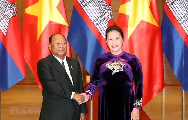 Recibe presidenta de Asamblea Nacional a su par camboyano hinh anh 1