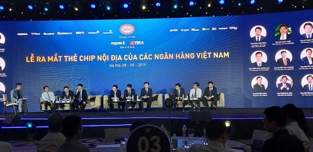 Presentan en Vietnam las primeras tarjetas de debito domesticas con chip hinh anh 1