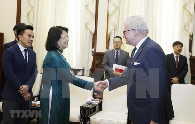 Recibio la vicepresidenta de Vietnam al gobernador del estado australiano de Queesland hinh anh 1