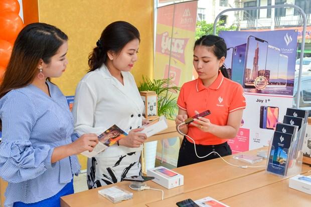Presentan telefonos inteligentes vietnamitas Vsmart en Myanmar hinh anh 1