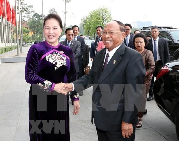 Concluye presidente de Asamblea Nacional de Camboya visita oficial a Vietnam hinh anh 1