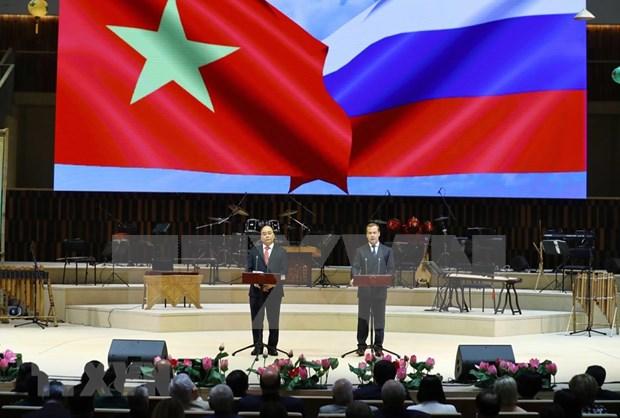 Destacan significado de gira del primer ministro de Vietnam por Rusia, Noruega y Suecia hinh anh 1