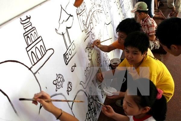 Celebran en Hanoi concurso de pintura por motivo del Dia Internacional del Nino hinh anh 1