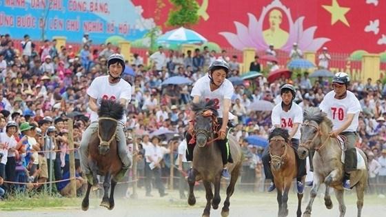 Provincia vietnamita de Lao Cai promueve potencial turistico mediante Festival Cultural hinh anh 1