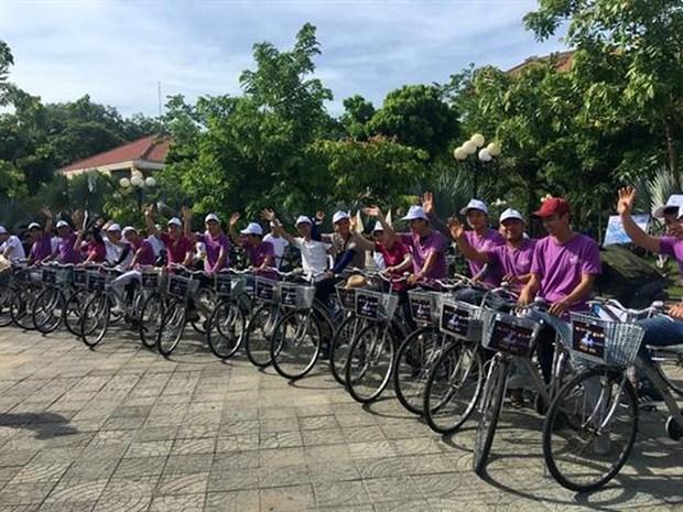 Celebran en provincia turistica vietnamita los Dias Mundiales de la Bicicleta y del Medio Ambiente hinh anh 1