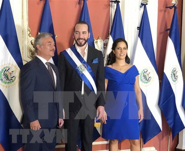 Expresa Vietnam a nuevo presidente de El Salvador proposito de fomentar relaciones con ese pais hinh anh 1