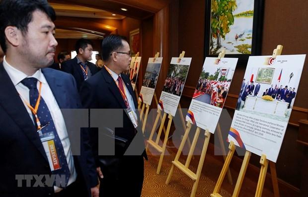 Efectuan en Hanoi exposicion fotografica sobre las relaciones ASEAN-Japon hinh anh 1