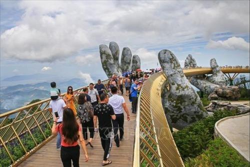 Crece la llegada de turistas tailandeses a Vietnam hinh anh 1