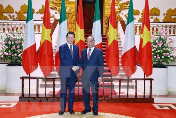 Afirma primer ministro de Italia que su pais considera a Vietnam un socio de primera categoria hinh anh 1