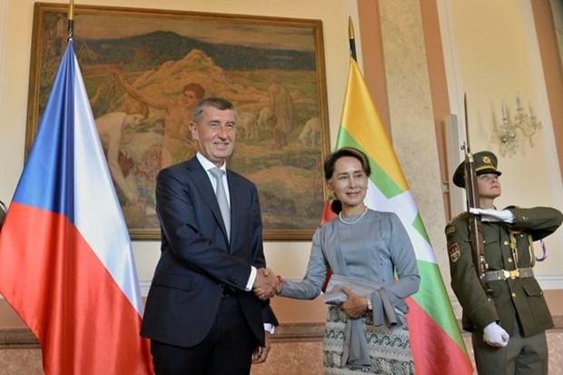 Fortalecen Republica de Checa y Myanmar la cooperacion comercial hinh anh 1