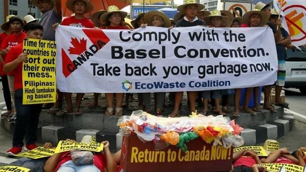 """Normaliza Filipinas relaciones con Canada tras el denominado """"conflicto de la basura"""" hinh anh 1"""