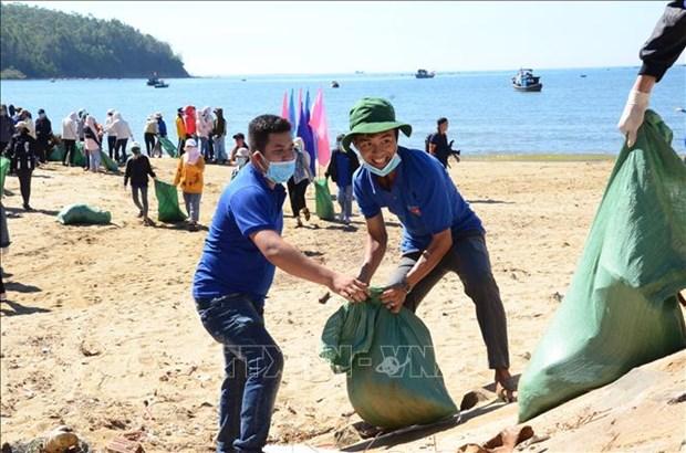 """Se inicia en localidades vietnamitas la campana """"Limpiemos el mar"""" hinh anh 1"""