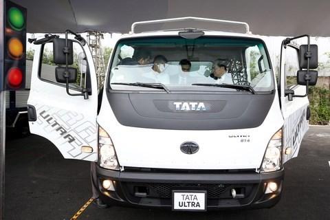 Presenta empresa india Tata Motors modelos de camiones en Vietnam hinh anh 1