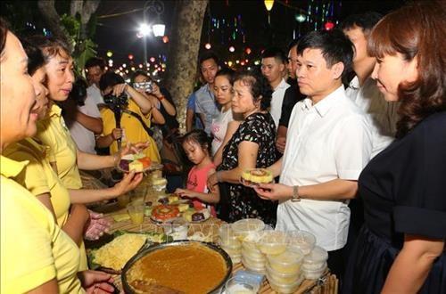 Promueven en Hanoi artes culinarias tradicionales hinh anh 1