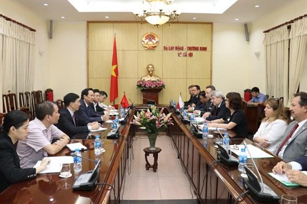 Enfermeros vietnamitas pueden trabajar en la Republica checa hinh anh 1