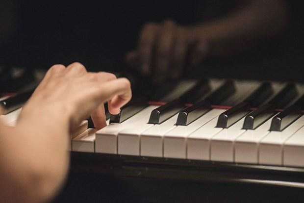 Gana pianista vietnamita tres primeros premios en concursos de piano en Italia hinh anh 1