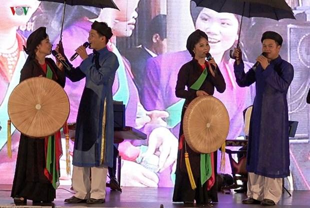 Realiza conjunto folclorico de Vietnam gira por Europa hinh anh 1