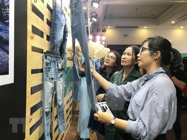 Abren sus puertas en Vietnam exposicion textil Denimsandjeans 2019 hinh anh 1