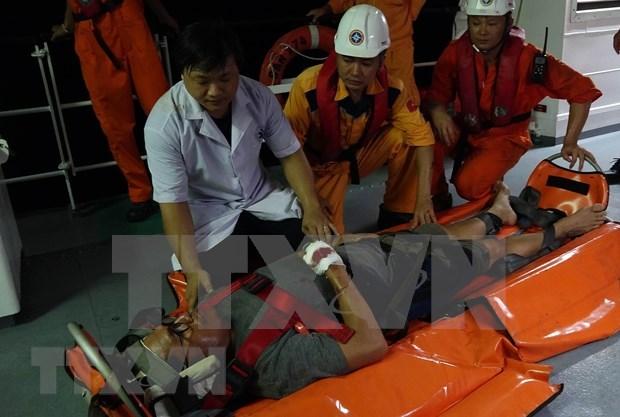 Vietnam rescata a marinero filipino accidentado en el mar hinh anh 1