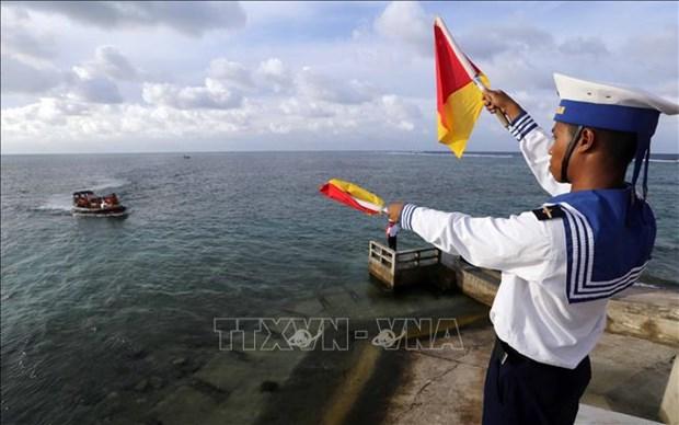 Inauguran exhibicion sobre patrimonios culturales y turismo maritimo de Vietnam hinh anh 1