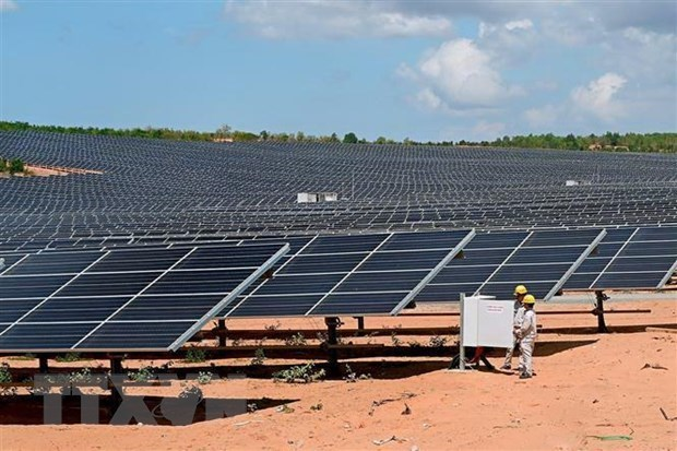 Inauguran en provincia vietnamita de Ninh Thuan planta de energia solar hinh anh 1